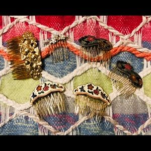Mix of Vintage Beautiful Hair Combs